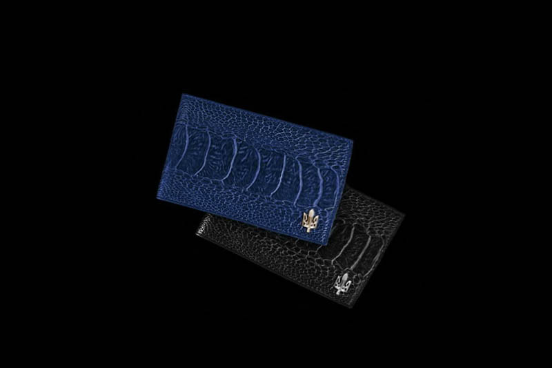 Platinum gold vip cards with genuine leather card holders credit card cases and business card holders of all sizes and shapes made of colourmoves Images